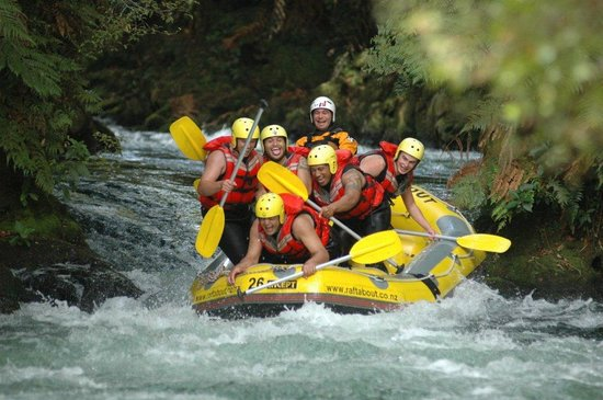 Raftabout Rotorua : Stand Up Rapid on the Kaituna River