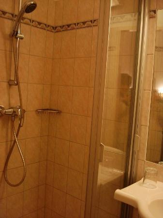 Hotel Wandl: シャワー