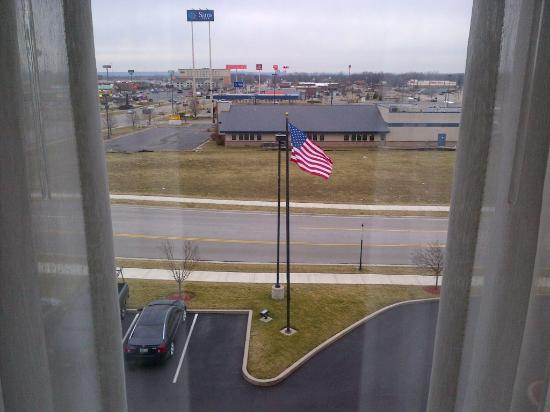 Hampton Inn & Suites Dayton-Vandalia: View from room, 4th floor, looking out onto Miller Ln and some of the nearby businesses