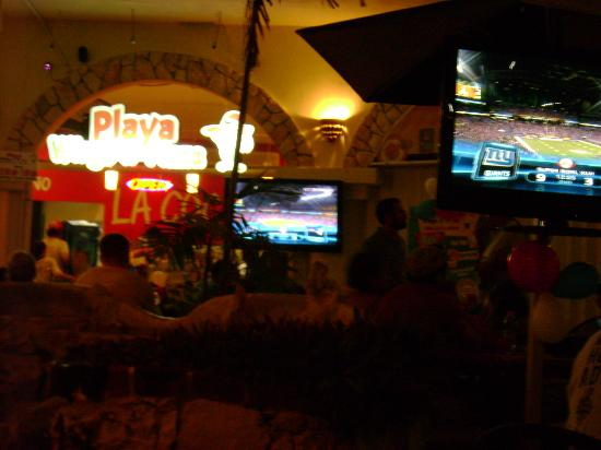 Playa Wings n' Pizza : Super Bowl 2012