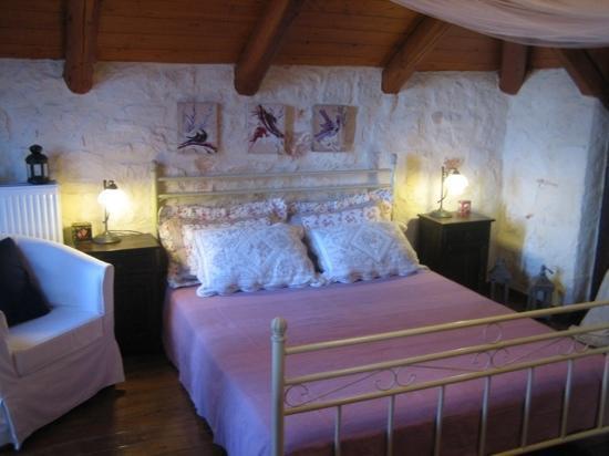 Alegria Villas: romantic bedroom in alegriavillas with fantastic sea view from the balkonies. Very near the sea
