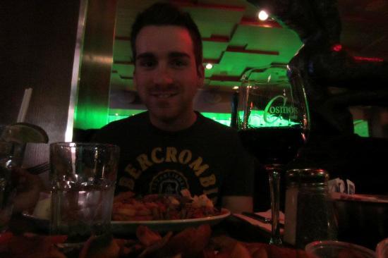 Cosmos Cafe : Bonne bouffe, bon vin!