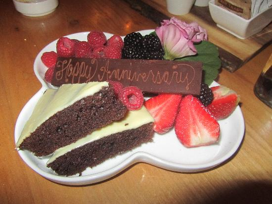 Kingfisher Restaurant & Wine Bar: Our anniversary plate from the kitchen