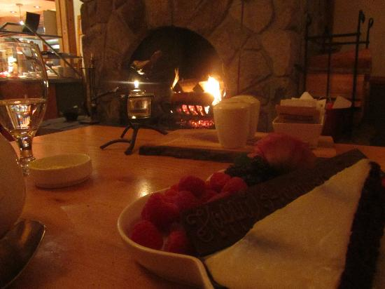 Kingfisher Restaurant & Wine Bar: View from our table in front of the fire