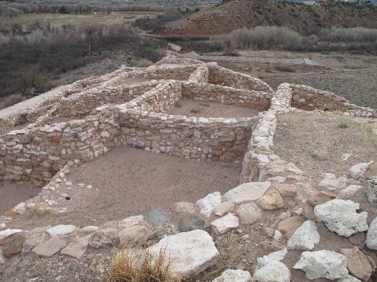 Tuzigoot National Monument: Pueblos