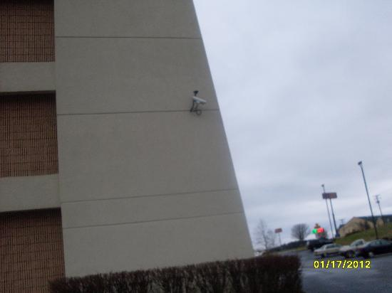 Baymont Inn & Suites Corbin: This is the security camera that is watching the fire hydrant, not the parking spot