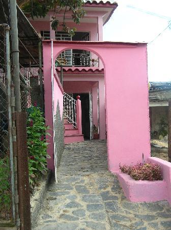 Casa Particular Ridel y Claribel: The guest house on second floor