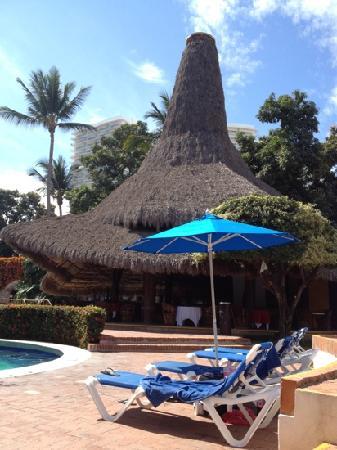 Hacienda Buenaventura Hotel & Mexican Charm All Inclusive: Courtyard bar and eating area