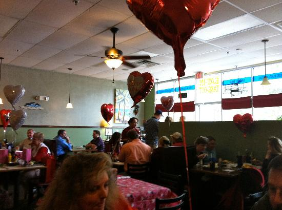 Foody's: Dining Room Stays Busy