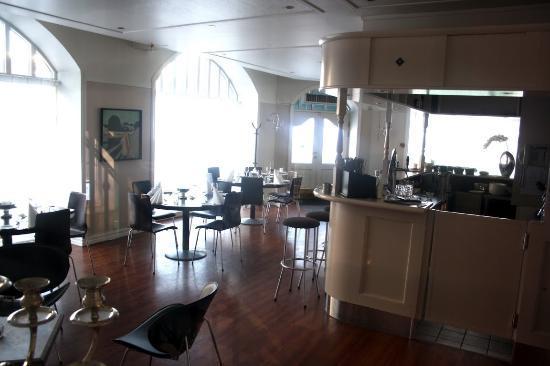 First Hotel Breiseth: Restaurant. Serves only breakfast.