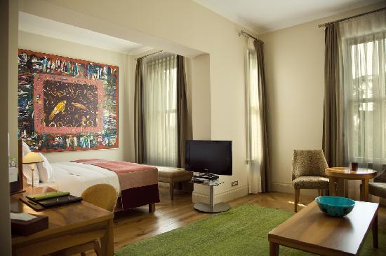 Tomtom Suites: Deluxe Room