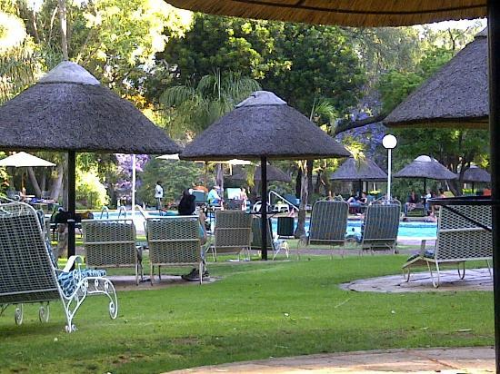 Protea Hotel Hunters Rest: Gazebo's by the pool area