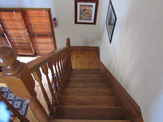 Strathlyn Estate: Stairs from the bedroom