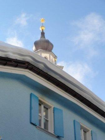 Laagers Hotel Garni: Kirche von Samedan