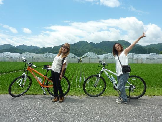 SATOYAMA EXPERIENCE : 女性にもやさしい旅/ Our tour is popular with ladies too!