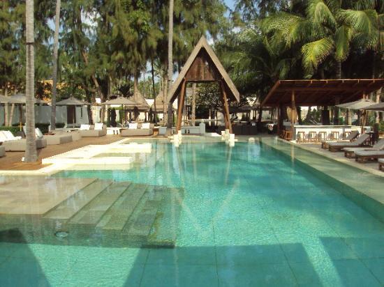 SALA Samui Resort And Spa: The white pool