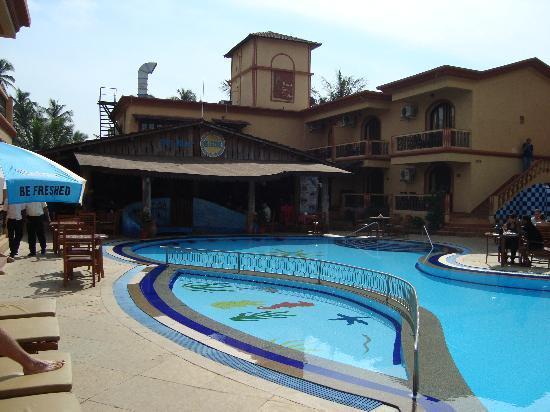 Resort Terra Paraiso: Center View of resort with swimming pool