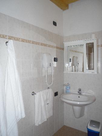 Agritur Girardelli: Il bagno in camera