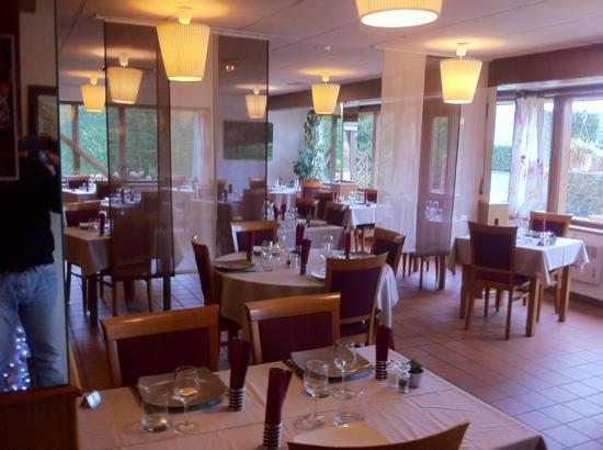 Inter-Hotel IKAR Blois sud: le restaurant