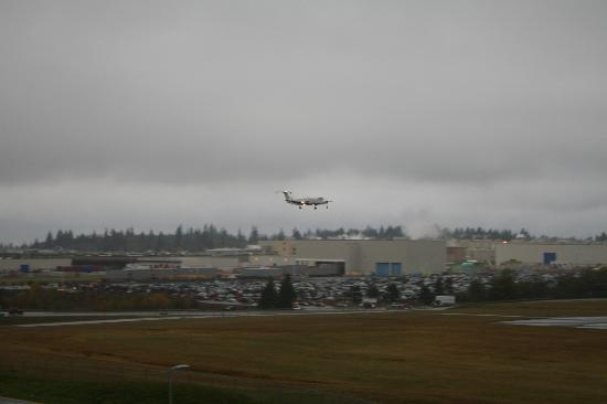 Мукилтео, Вашингтон: Boeing Factory Runway Landing