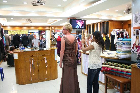 RK Fashions and Tailors: getlstd_property_photo