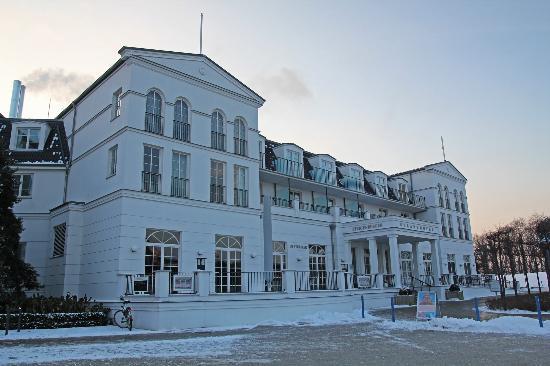 Steigenberger Strandhotel und Spa: Das Hotel am Nachmittag