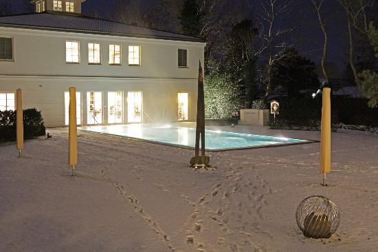 Steigenberger Strandhotel und Spa: außerhalb Poolbereich (geschlossen, weil minus 20 ° C)