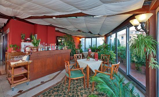 Aziyade Hotel: Cocktail Bar