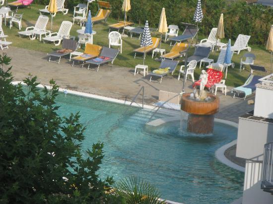 Hotel Terme Villa Pace: vista dalla nostra camera