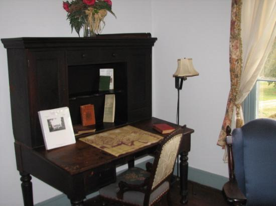 North Bend Plantation: The desk used by Gen. Sheridan (an uninvited guest).