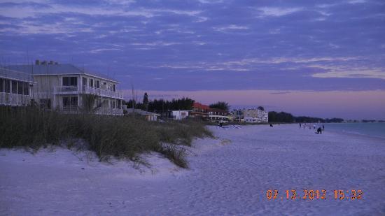 An Island Getaway at Palm Tree Villas: Beautiful Holmes Beach at dusk