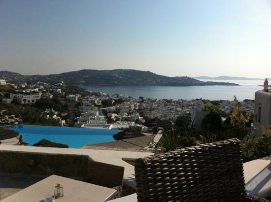 Vencia Hotel: View from Pool