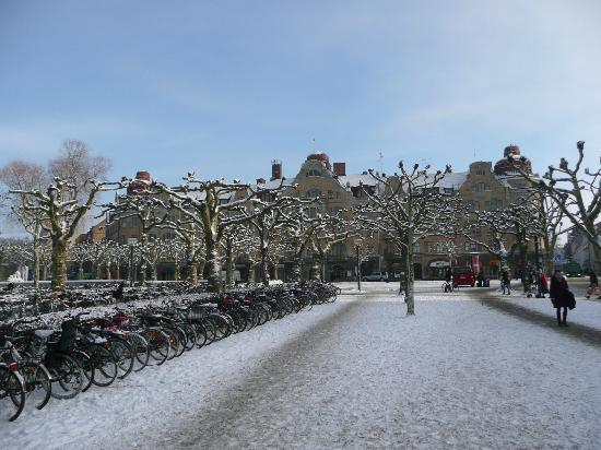 Lund square by station