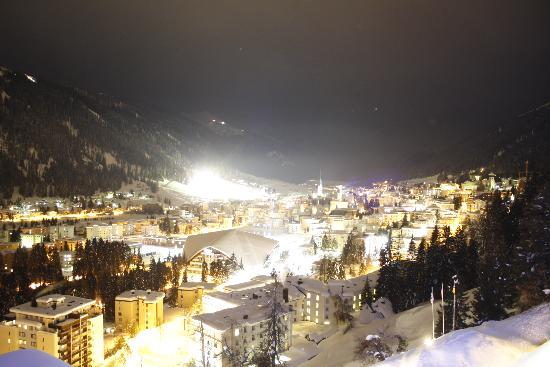 Waldhotel Davos: View over Davos