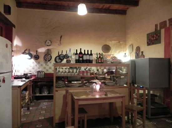 Restaurante Pizzeria Napoli: Kitchen view from our table!