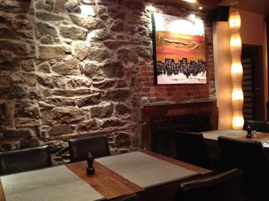 hotel le priori toast restaurant breakfast in hotel - Breakfast House Restaurant Wall Designs