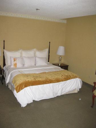 McKinley Grand Hotel: Bed