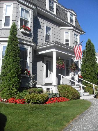 Bayside Inn Bed and Breakfast: Bayside Inn B&B Boothbay Harbor, Maine