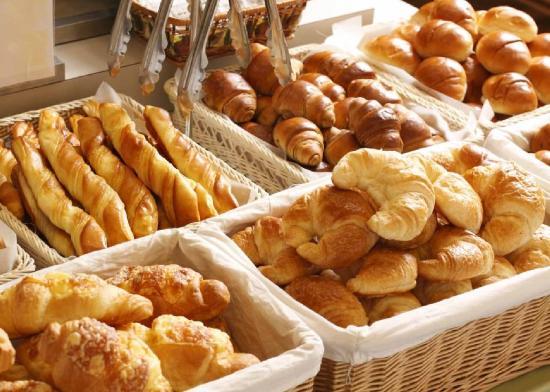 Comfort Hotel Sapporo: Breakfast Bread