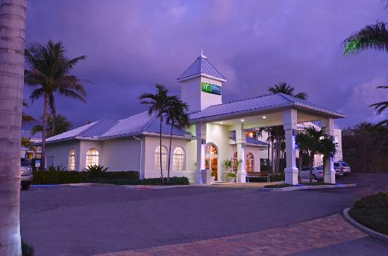 Holiday Inn Express North Palm Beach - Oceanview : Registration