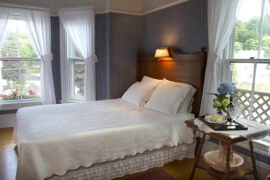 Bayside Inn Bed and Breakfast: Sheepscot Bay