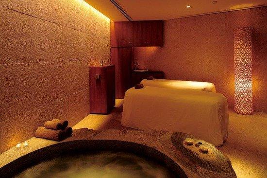 Grand Hyatt Tokyo : 「Nagomi スパ アンド フィットネス」のジャクジー付きルーム