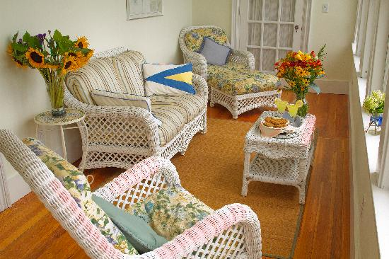 Bayside Inn Bed and Breakfast: Sunporch