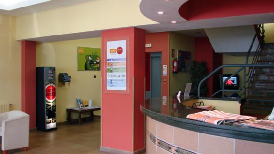 Hotel Refugi dels Isards : recepcion