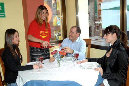 Hotel Refugi dels Isards : restaurante
