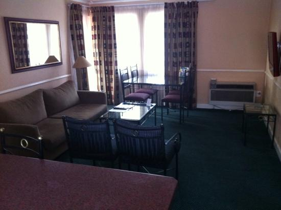 Mercure Suites Bedfordview: lounge