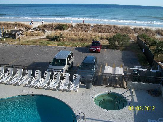 Summer Wind Inn & Suites: view from 3rd floor balcony