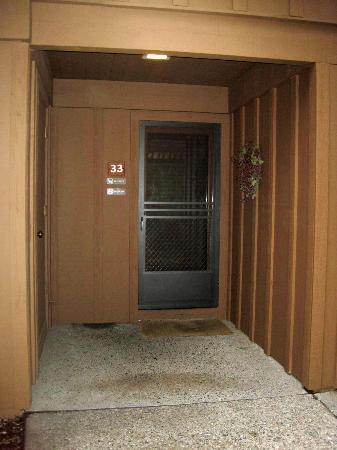 جونيباين ريزورت: Front Door