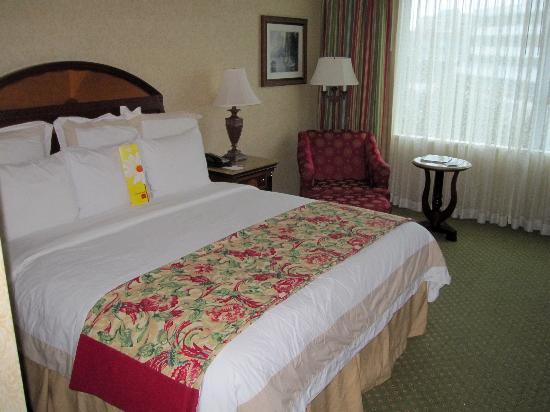 Victoria Marriott Inner Harbour: Bed
