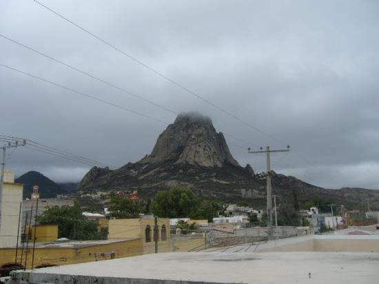 The Peña of Bernal: La peña al amanecer